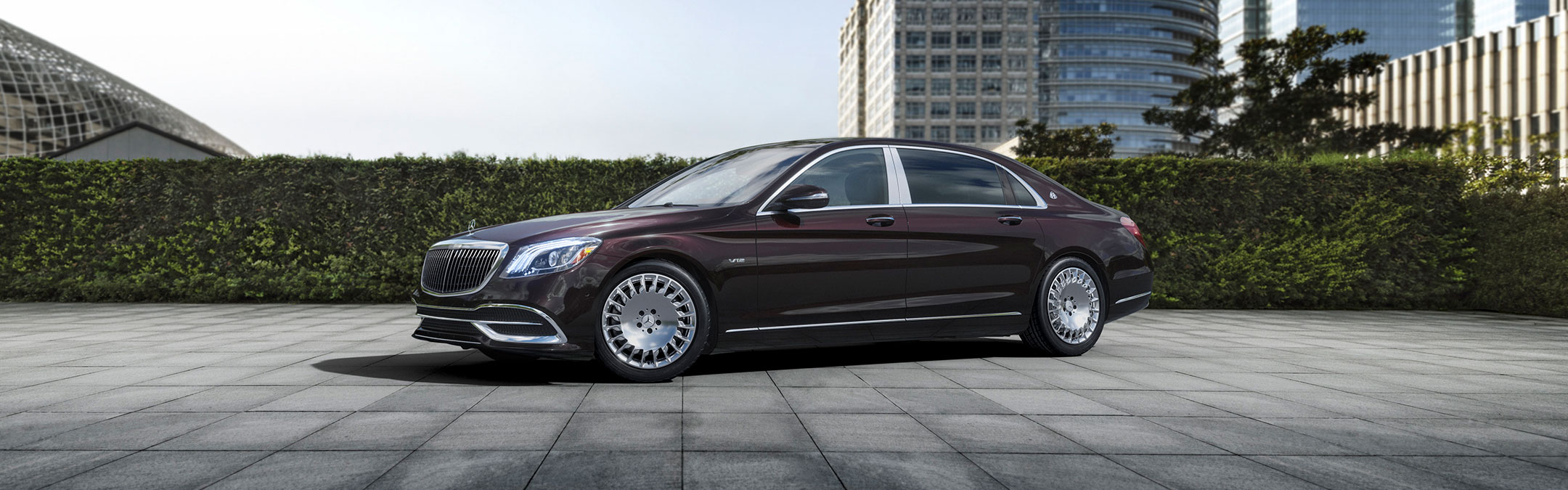 Mercedes_Maybach Burgundy Exterior Photo
