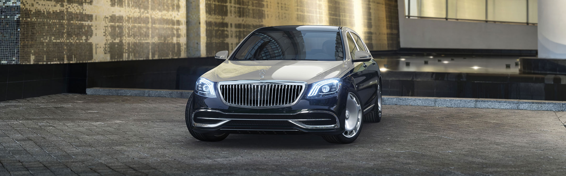 2019 Mercedes-Maybach Sedan front image