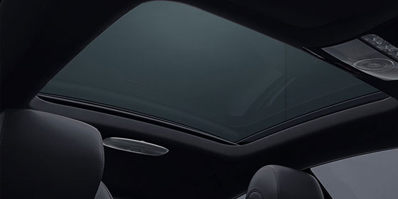 E-class panoramic sunroof