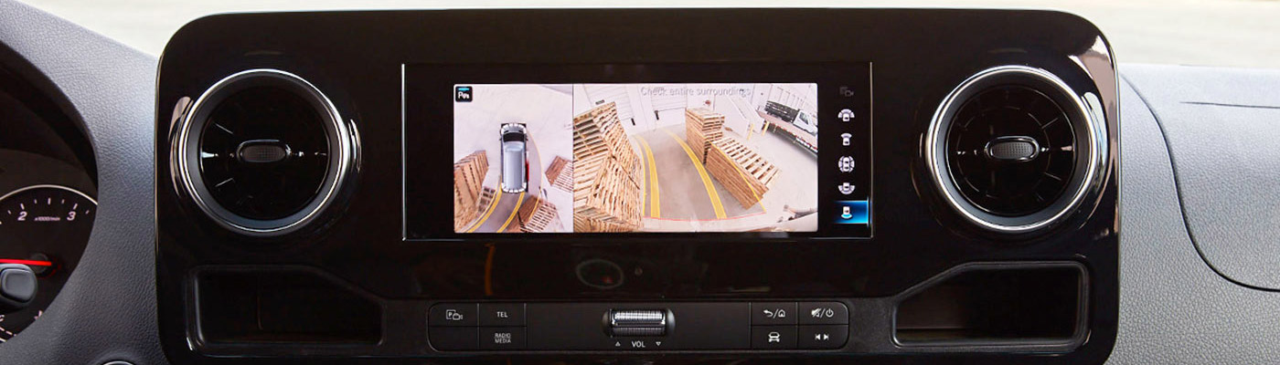 Dash Screen Showing reverse cam