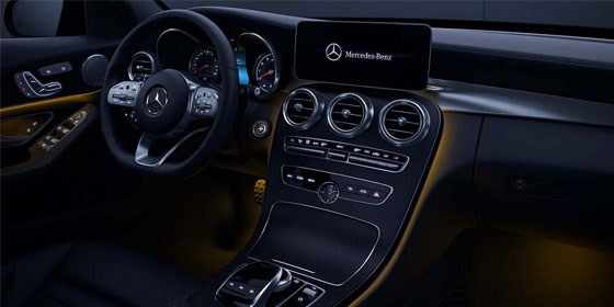 2019 C-class Sedan steering wheel and  12.3-inch digital screen